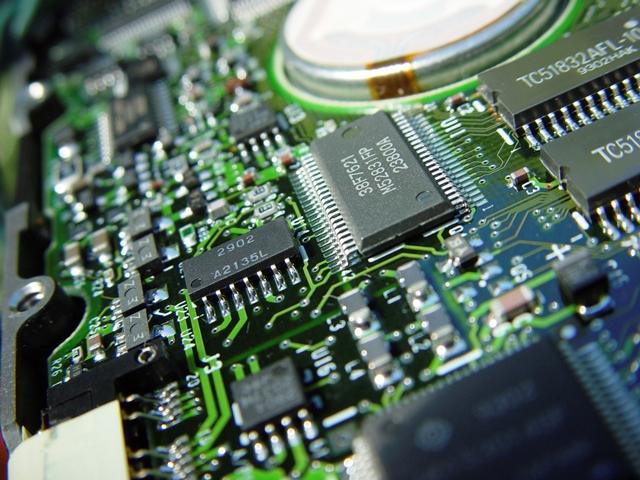 iStock_000000060035_Medium_web_home